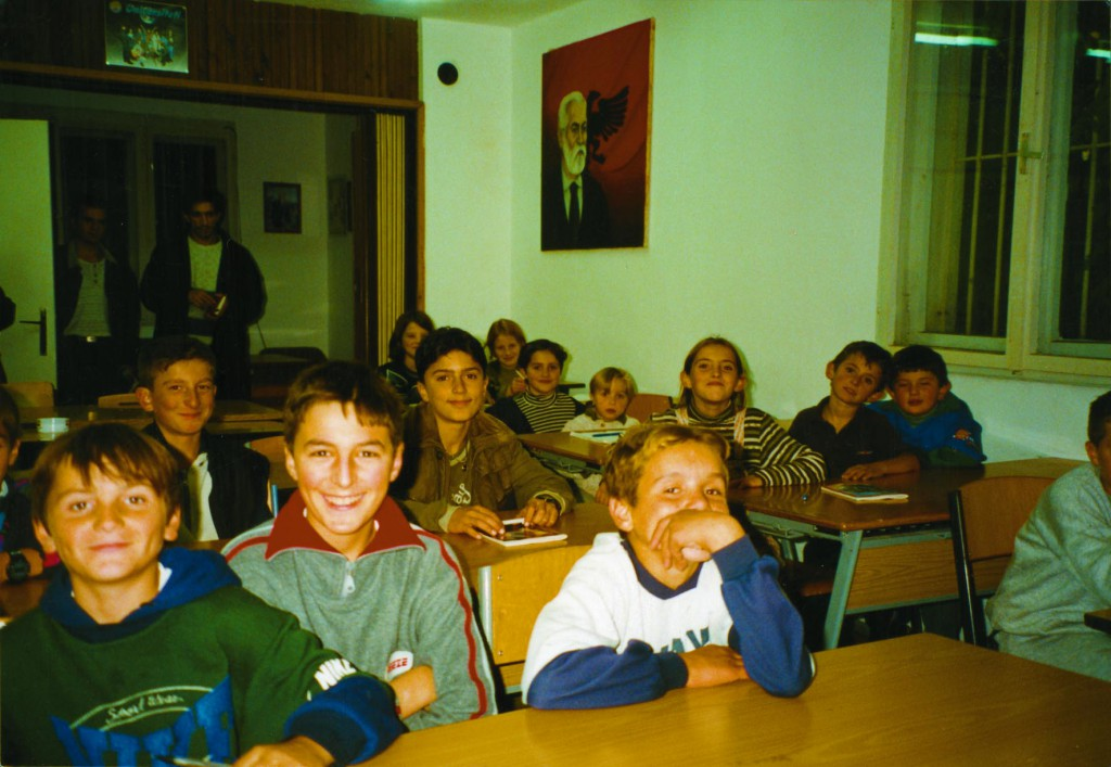 WochenKlausur, Language Schools in the Kosovo War, 1999-2003